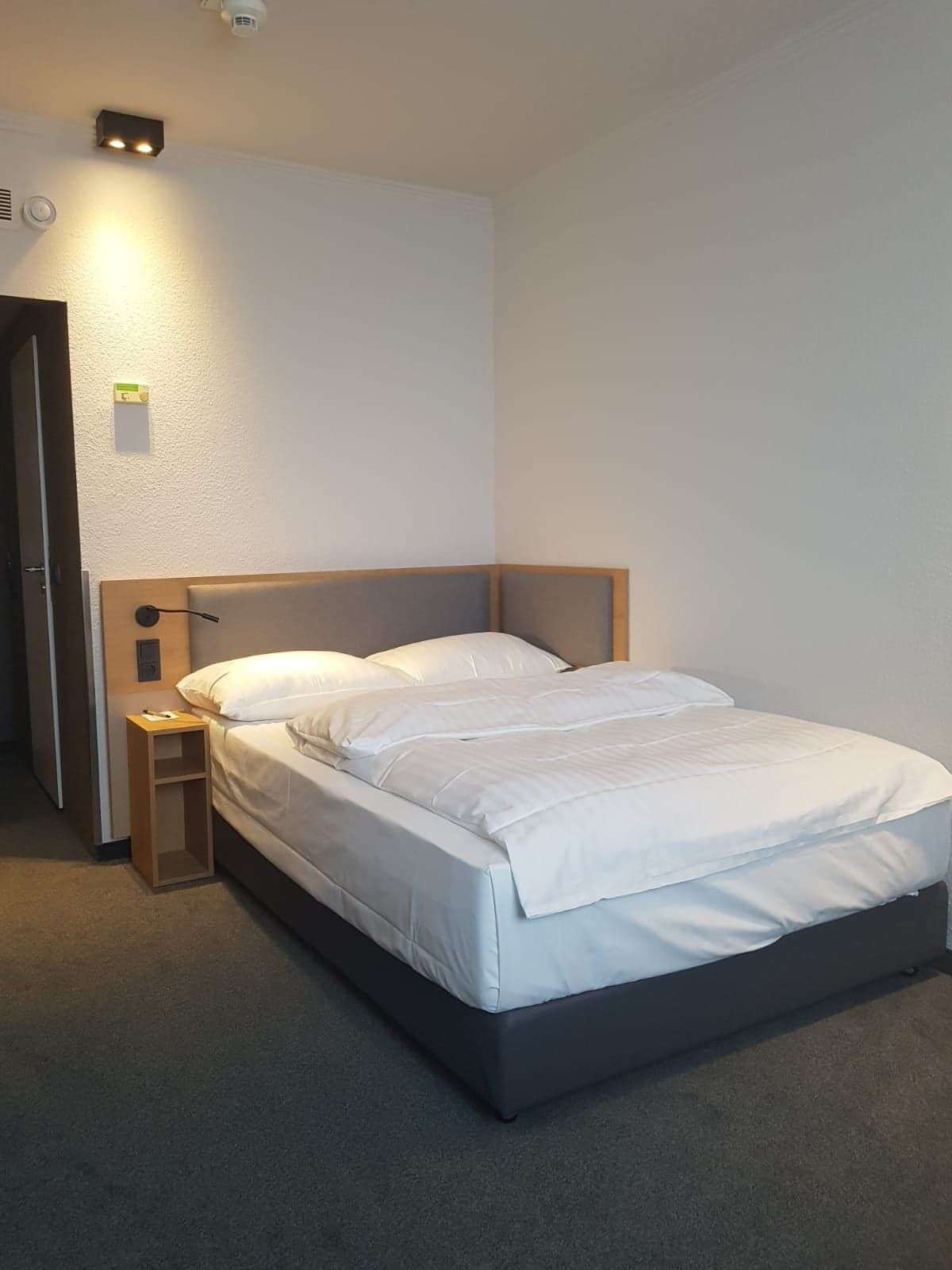 Intercity hotel wuppertal producent mebli i for Hotel wuppertal